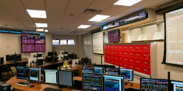 Rutgers School of Business-Camden Opens Finance Lab and Center for Investment Management