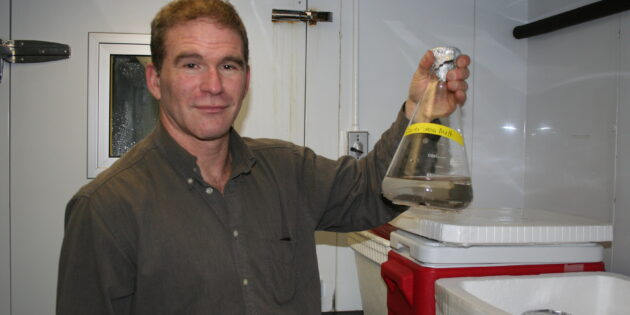 Rutgers–Camden Researcher Studies Ice Worms to Help Extend Organ Life for Transplants