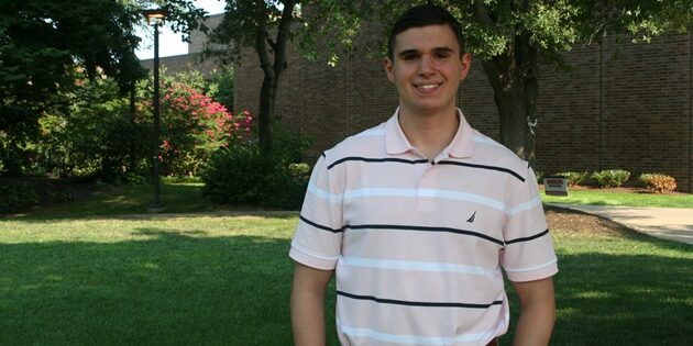 """Scrubbing In"": Freshman Matthew Guariglia Hopes to Make an Impact in the Medical Field"