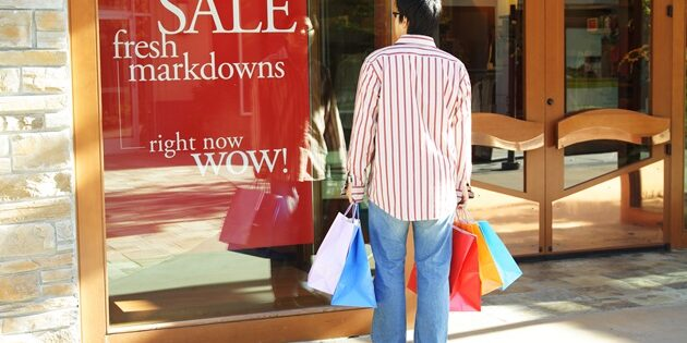 Is Bargain Shopping a Family Trait? New Research Suggests So