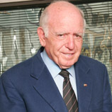 Raymond Ackerman, a South African entrepreneur and philanthropist , will receive an honorary Doctor of Letters degree.