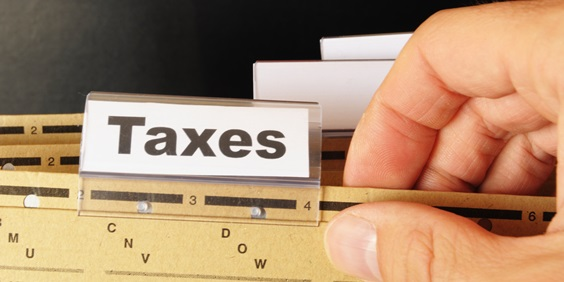 Rutgers Law Students Help Hundreds File Taxes for Free in Camden