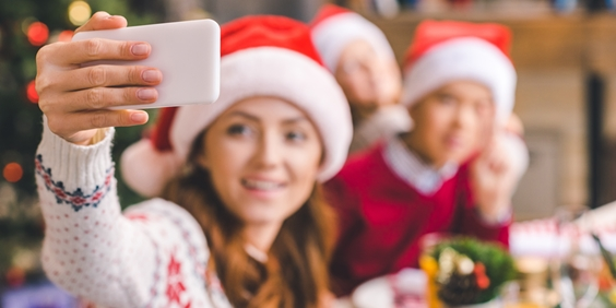Expert Offers Tips to Help Teens Deal with Social Media-Related Stress This Holiday Season